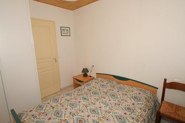 Autre chambre avec lit 140 pour 2 personnes pour des vacances pas cher à saint jean de monts