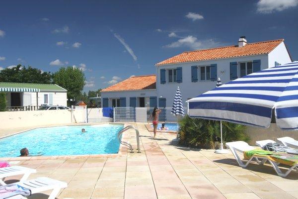Gite à St Jean de Monts avec piscine partagée avec le camping
