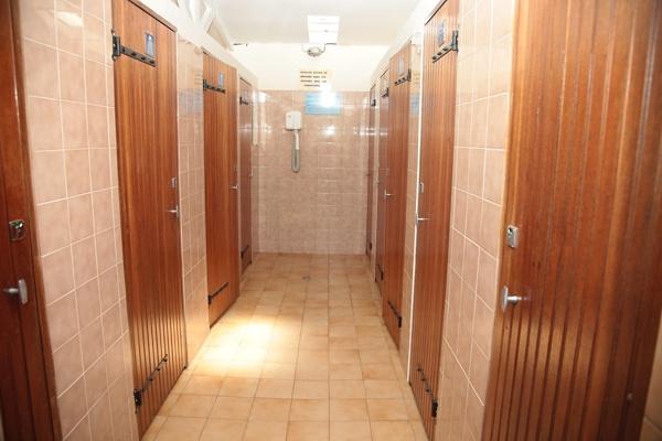 sanitaires avec douche